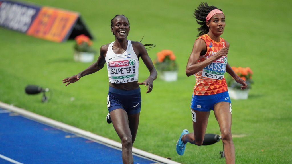 BERLIN, GERMANY - AUGUST 12: Lonah Chemtai Salpeter of Israel and Sifan Hassan of the Netherlands compete in women's 5000m race on August 12, 2018 in Berlin, Germany. (Photo by Herbert Kratky/SEPA.Media /Getty Images)