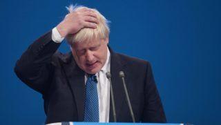 Manchester, 2017. október 3. Boris Johnson brit külügyminiszter beszél a Konzervatív Párt manchesteri konferenciájának harmadik napi ülésén 2017. október 3-án. (MTI/EPA/Facundo Arrizabalaga)