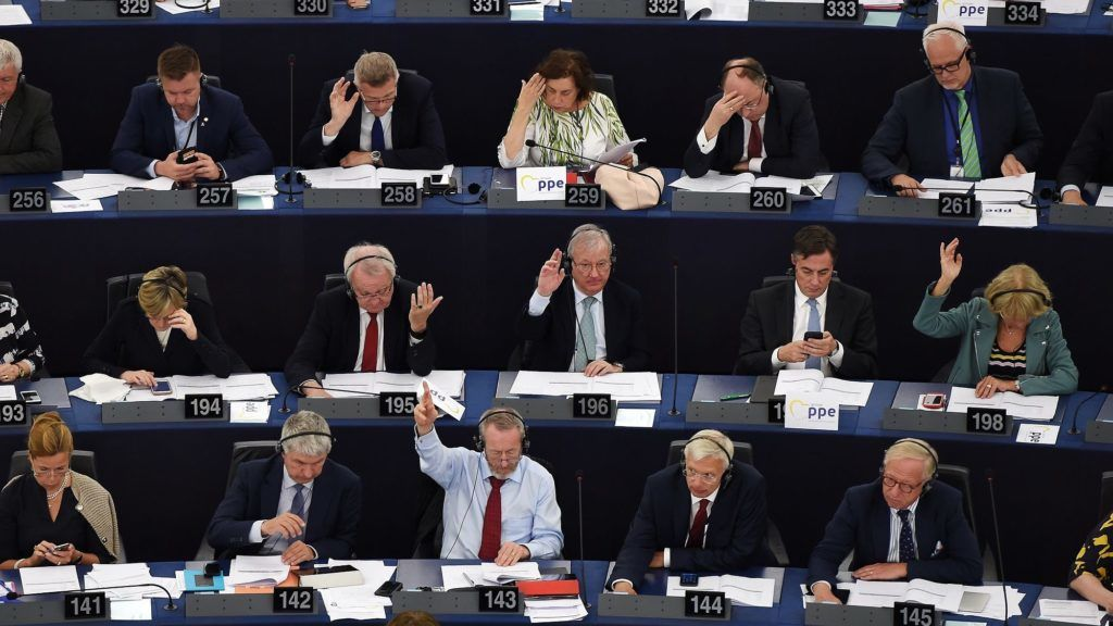 Members of the European Parliament take part in a voting session at the European Parliament on June 13, 2018 in Strasbourg, eastern France. / AFP PHOTO / FREDERICK FLORIN