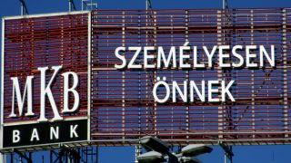 Budapest, 2018. január 30. Az MKB Bank nagy méretû reklámja a Nyugati tér egyik patinás régi lakóépületének homlokzatán. MTVA/Bizományosi: Jászai Csaba  *************************** Kedves Felhasználó! Ez a fotó nem a Duna Médiaszolgáltató Zrt./MTI által készített és kiadott fényképfelvétel, így harmadik személy által támasztott bárminemû – különösen szerzõi jogi, szomszédos jogi és személyiségi jogi – igényért a fotó készítõje közvetlenül maga áll helyt, az MTVA felelõssége e körben kizárt.