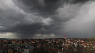 Nagykanizsa, 2018. március 14. Zivatarfelhõ Nagykanizsa felett 2018. március 14-én. MTI Fotó: Varga György