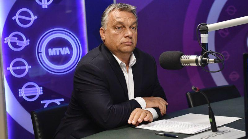 Budapest, 2017. szeptember 8.Orbán Viktor miniszterelnök interjút ad a 180 perc című műsorban a Kossuth Rádió stúdiójában 2017. szeptember 8-án.MTI Fotó: Illyés Tibor