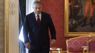 Budapest, 2018. május 7.Orbán Viktor miniszterelnök, a Fidesz elnöke, az országgyűlési választásokon győztes Fidesz-KDNP pártszövetség miniszterelnök-jelöltje Áder János köztársasági elnökkel folytatott találkozójára érkezik a Sándor-palotában az Országgyűlés másnapi alakuló ülése előtt, 2018. május 7-én.MTI Fotó: Illyés Tibor