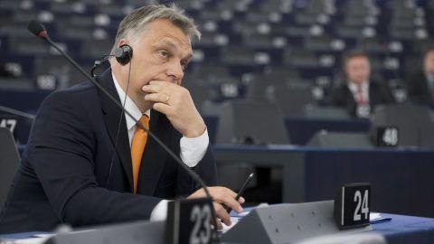 Strasbourg, 2015. május 19.Orbán Viktor miniszterelnök az Európai Parlament (EP) Magyarországról szóló plenáris vitája előtt Strasbourgban 2015. május 19-én.MTI Fotó: Koszticsák Szilárd