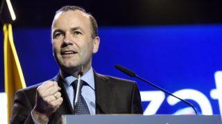 Celje, 2018. május 11. Manfred Weber, az Európai Néppárt (EPP) frakcióvezetõje beszédet mond a Szlovén Demokrata Párt (SDS) kampányrendezvényén Celjén, a Golovec csarnokban 2018. május 11-én. A gyûlésen részt vett Orbán Viktor miniszterelnök. Szlovéniában június 3-án elõrehozott parlamenti választásokat tartanak. MTI Fotó: Koszticsák Szilárd