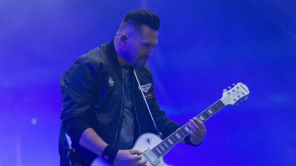 Sopron, 2018. június 28. Kovács Ákos énekes-elõadómûvész a 26. VOLT Fesztiválon a soproni Lõvér kempingben 2018. június 27-én. MTI Fotó: Nyikos Péter