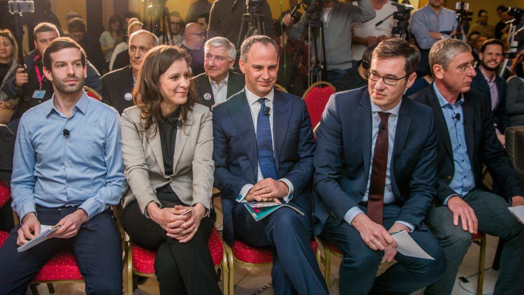 Budapest, 2018. április 4. Fekete-Gyõr András, a Momentum elnöke, Szél Bernadett, az LMP társelnöke, miniszterelnök-jelölt, Szigetvári Viktor, az Együtt miniszterelnök-jelöltje, Karácsony Gergely, az MSZP-Párbeszéd miniszterelnök-jelöltje és Gyurcsány Ferenc, a Demokratikus Koalíció elnöke (b-j) a Válasszunk! 2018 (V18) fórumán a budapesti Benczúr szállodában 2018. április 4-én. MTI Fotó: Balogh Zoltán