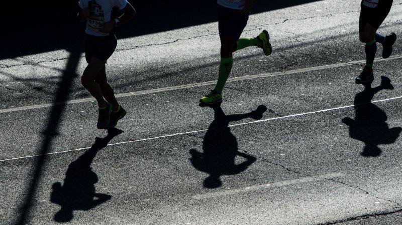 Budapest, 2017. október 15. A 32. Spar Budapest Maraton résztvevõi futnak a Jane Haining rakparton 2017. október 15-én. MTI Fotó: Mónus Márton