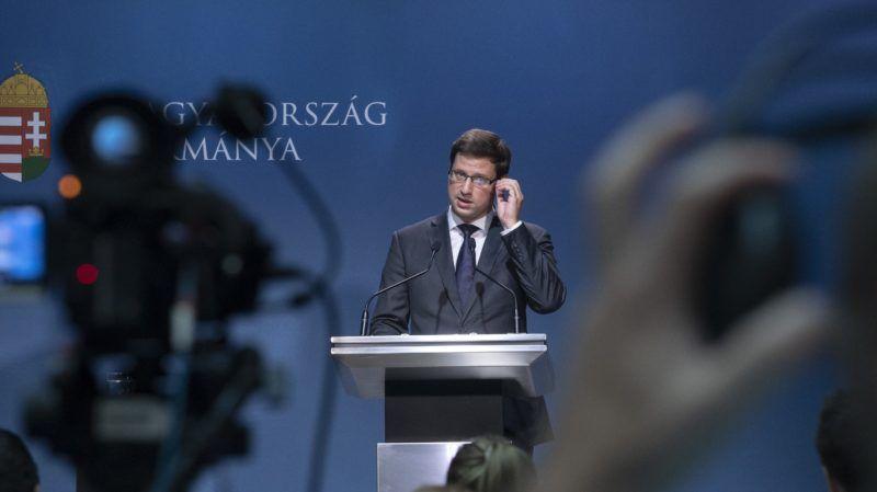 Budapest, 2018. augusztus 31. Gulyás Gergely, a Miniszterelnökséget vezetõ miniszter a Kormányinfó sajtótájékoztatón a Miniszterelnöki Kabinetiroda Garibaldi utcai sajtótermében 2018. augusztus 31-én. MTI Fotó: Szigetváry Zsolt