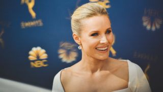 LOS ANGELES, CA - SEPTEMBER 17:  (EDITORS NOTE: Image has been digitally enhanced) Kristen Bell arrives at the 70th Emmy Awards on September 17, 2018 in Los Angeles, California.  (Photo by Matt Winkelmeyer/Getty Images)