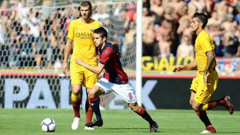 BOLOGNA, ITALY - SEPTEMBER 23: Adam Nagy of Bologna FC in action during the serie A match between Bologna FC and AS Roma at Stadio Renato Dall'Ara on September 23, 2018 in Bologna, Italy.  (Photo by Mario Carlini / Iguana Press/Getty Images)