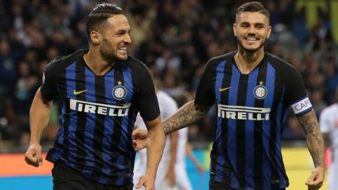 MILAN, ITALY - SEPTEMBER 25:  Danilo D Ambrosio (L) of FC Internazionale celebrates with teammate Mauro Emanuel Icardi after scoring the second goal of his team during the Serie A match between FC Internazionale and ACF Fiorentina at Stadio Giuseppe Meazza on September 25, 2018 in Milan, Italy.  (Photo by Emilio Andreoli/Getty Images)