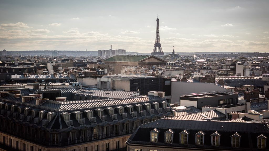 találkozó között nem házas párizsban