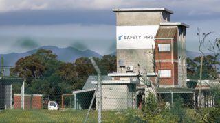 Somerset West, 2018. szeptember 3. A Rheinmetall Denel Munition német-dél-afrikai hadiipari vállalatnak a Fokváros közelében levõ Somerset West településen mûködõ telepe, ahol robbanás történt 2018. szeptember 3-án. A lõszergyárban bekövetkezett detonációban legkevesebb nyolcan életüket vesztették. (MTI/AP)