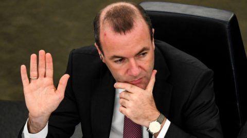 Strasbourg, 2018. szeptember 12. Manfred Weber, az Európai Néppárt, az EPP frakcióvezetõje szavaz a Sargentini-jelentésrõl az Európai Parlament plenáris ülésén, Strasbourgban 2018. szeptember 12-én. A képviselõk a magyar jogállamisági helyzetrõl szóló különjelentést 448 igen szavazattal, 197 ellenében, 48 tartózkodás mellett fogadták el. (MTI/EPA/Patrick Seeger)