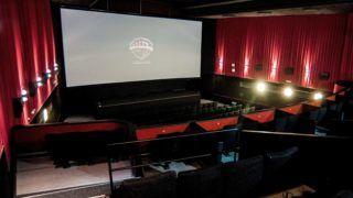 Újra megnyílt az Uránia mozi Pécsett