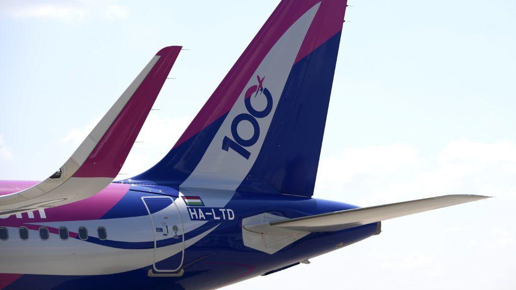 Budapest, 2018. június 4. A Wizzair századik repülõgépe, egy Airbus A321-es a Liszt Ferenc repülõtéren 2018. június 4-én. A Wizzair 100 repülõbõl álló flottája 5 év múlva megduplázódhat, ezt követõen néhány év múlva a háromszázadik gép is üzembe állhat. MTI Fotó: Kovács Tamás