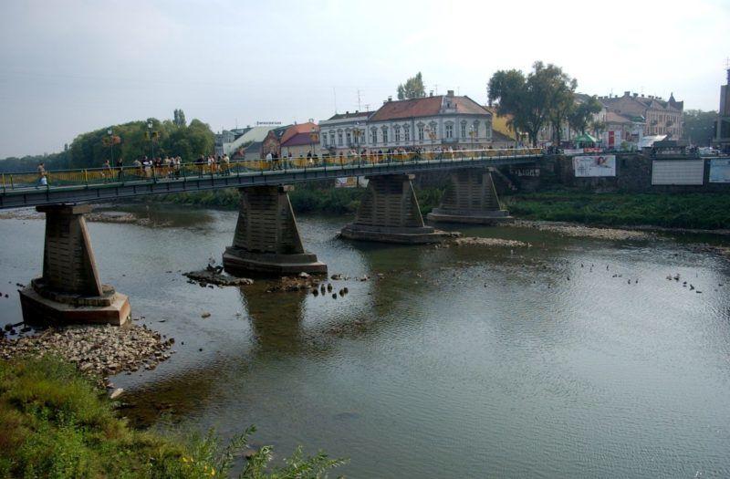 Ungvár, 2009. október 7.  Híd az Ung folyón. MTI Fotó: Friedmann Endre
