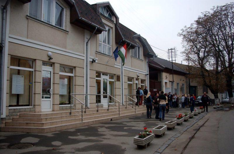 Beregszász, 2009. október 10. A beregszászi magyar konzulátus. MTI Fotó: Friedmann Endre
