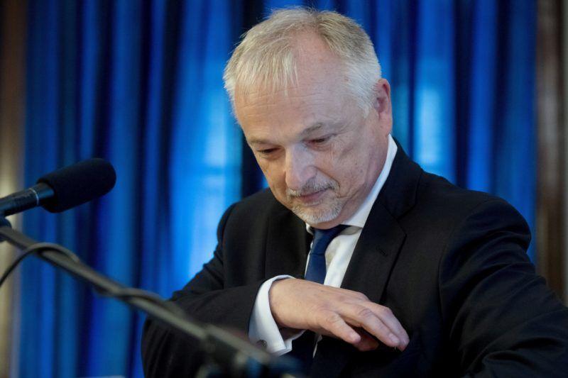 Budapest, 2018. június 15. Hernádi Zsolt, a Mol-csoport elnök-vezérigazgatója beszéde elmondása elõtt a fõváros és a Mol-csoport közötti stratégiai megállapodás aláírásán a Városházán 2018. június 15-én. MTI Fotó: Koszticsák Szilárd