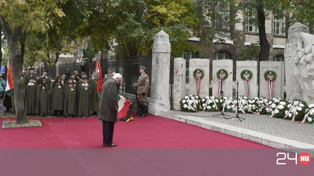 Fáklyás menettel kezdte meg az ünneplést a Fidesz