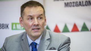 Hódmezõvásárhely, 2018. március 11. Volner János, a Jobbik alelnöke sajtótájékoztatót tart hódmezõvásárhelyi kampányútja keretében 2018. március 11-én. MTI Fotó: Rosta Tibor
