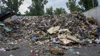 Budapest, 2018. július 23. Lomtalanításból származó hulladék Rákospalotán, a Fõvárosi Hulladékhasznosító Mûben 2018. július 23-án. Magyarország egyetlen kommunális hulladéktüzelésû erõmûve, amelyet a Fõvárosi Közterület-Fenntartó Nonprofit Zrt. (FKF) üzemeltet, naponta átlagosan ezerkétszáz tonna hulladékot képes ártalmatlanítani. MTI Fotó: Sóki Tamás