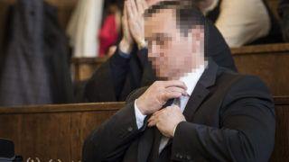 Budapest, 2017. április 24.Vizoviczki László készül az utolsó szó jogán felszólalására az ellene és 33 társa ellen milliárdos nagyságrendű vagyoni hátrányt okozó költségvetési csalás vádjával indult büntetőper tárgyalásán a Fővárosi Törvényszéken 2017. április 24-én. Ezen a napon a 34 vádlott utolsó szó jogán előadott felszólalását követően kerülhet sor az ítélethirdetésre.MTI Fotó: Szigetváry Zsolt