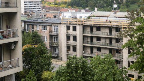 Budapest, 2017. május 2.Lakóház átalakítása az I. kerületi Lisznyai utcában 2017. május 2-án.MTI Fotó: Szigetváry Zsolt