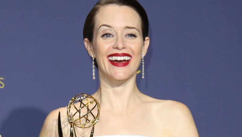 LOS ANGELES, CA - SEPTEMBER 17: Claire Foy poses with the Outstanding Lead Actress in a Drama Series award for 'The Crown' in the press room on September 17, 2018 in Los Angeles, California. (Photo by Dan MacMedan/Getty Images)