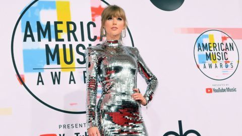 LOS ANGELES, CA - OCTOBER 09:  Taylor Swift attends the 2018 American Music Awards at Microsoft Theater on October 9, 2018 in Los Angeles, California.  (Photo by Emma McIntyre/Getty Images For dcp)