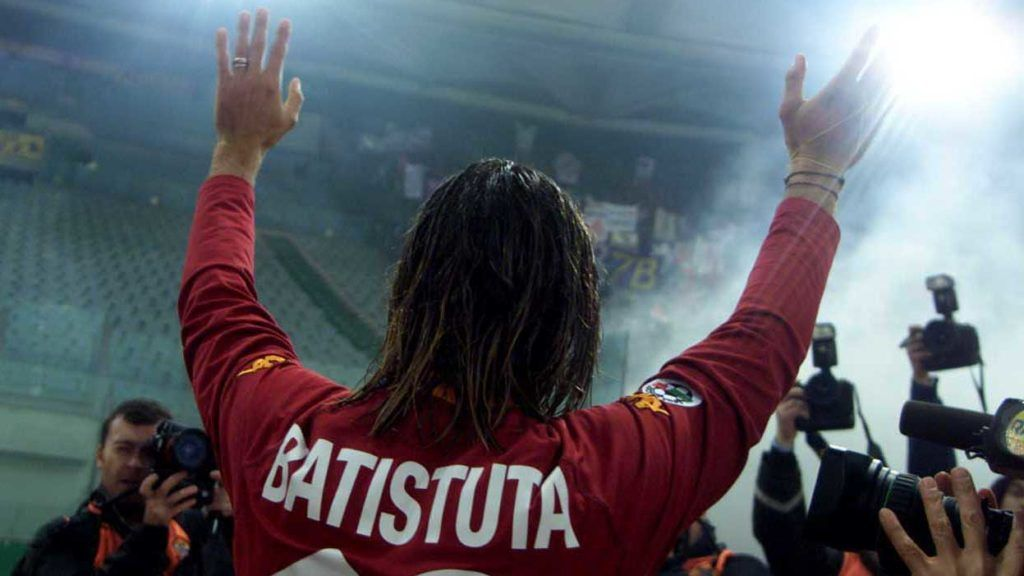 26 NOV 2000:  Gabriel Omar Batistuta of Roma greets  the Fiorentina fans before the Serie A 8th Round league match between Roma and Fiorentina played at the Olimpico stadium in Rome.    Mandatory Credit: Grazia Neri/ALLSPORT