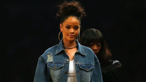NEW YORK, NY - FEBRUARY 15:  Singer Rihanna attends the 2015 NBA All-Star Game at Madison Square Garden on February 15, 2015 in New York City.  NOTE TO USER: User expressly acknowledges and agrees that, by downloading and/or using this photograph, user is consenting to the terms and conditions of the Getty Images License Agreement.  (Photo by Elsa/Getty Images)