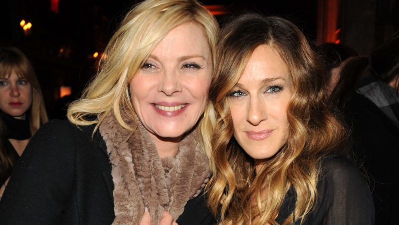 """NEW YORK - DECEMBER 14:  Actors Kim Cattrall and Sarah Jessica Parker attend the premiere of """"Did You Hear About the Morgans?"""" after party at The Oak Room on December 14, 2009 in New York City.  (Photo by Bryan Bedder/Getty Images)"""