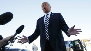 Elko, 2018. október 21. Donald Trump amerikai elnök egy választási kampányrendezvényen a Nevada állambeli Elkóban 2018. október 20-án. A félidõs kongresszusi választásokat novemberben rendezik az Egyesült Államokban. Trump ezen a napon bejelentette, hogy az Egyesült Államok felmondja a közepes hatótávolságú nukleáris erõkrõl szóló megállapodást (INF), mivel Oroszország megsérti az 1987-ben aláírt egyezményt. MTI/AP/Carolyn Kaster