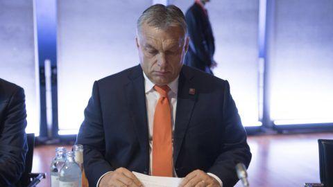 Salzburg, 2018. szeptember 20. Orbán Viktor miniszterelnök az Európai Unió salzburgi nem hivatalos csúcstalálkozójának második napi ülésén 2018. szeptember 20-án. (MTI/EPA/Andreas Schaad)