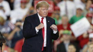 Erie, 2018. október 11. Donald Trump amerikai elnök egy választási kampányrendezvényen a Pennsylvania állambeli Eriében 2018. október 10-én. A félidõs kongresszusi választásokat novemberben rendezik az Egyesült Államokban. (MTI/EPA/David Maxwell)