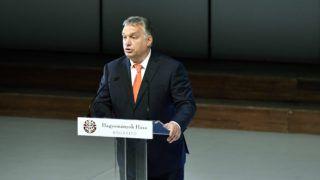 Budapest, 2018. október 4. Orbán Viktor miniszterelnök beszédet mond a Hagyományok Háza székhelye, a felújított Budai Vigadó átadásán 2018. október 4-én. MTI Fotó: Máthé Zoltán