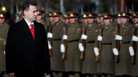Macedonia's Prime Minister Nikola Gruevski salutes Bulgarian Army honor guards during an official welcoming ceremony in Sofia, 28 November 2007. Gruevski is on a one-day official visit in Bulgaria. AFP PHOTO / BORYANA KATSAROVA (Photo by BORYANA KATSAROVA / AFP)