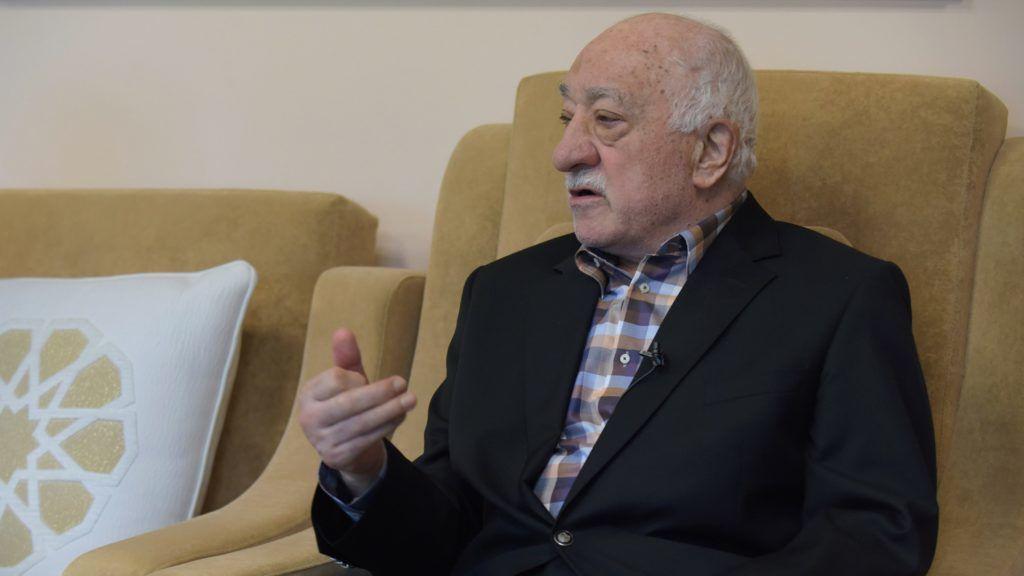 "Turkish preacher Fethullah Gülen speaks to members of the media from his home Sept. 22, 2016, at the Golden Generation Worship and Retreat Center in Saylorsburg, Pennsylvania, USA. Photo Matt Smith/dpa (zu dpa ""Staatsfeind in Hausschuhen - Fethullah Gülens Leben im Exil"" vom 23.09.2016)"