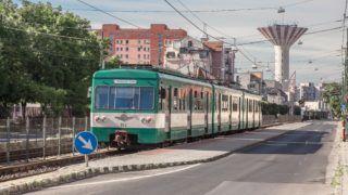 Budapest, 2016. június 18. A BKK-BKV H7-es HÉV-vonalán (csepeli HÉV) közlekedõ MXA típusú szerelvény várakozik a fõváros XXI. kerületében a II. Rákóczi Ferenc utcában, a Karácsony Sándor utcai HÉV megállóban. A háttérben az 1980-84 között épült, 3000 köbméteres és 70 méter magas csepeli víztorony látható. MTVA/Bizományosi: Faludi Imre  *************************** Kedves Felhasználó! Ez a fotó nem a Duna Médiaszolgáltató Zrt./MTI által készített és kiadott fényképfelvétel, így harmadik személy által támasztott bárminemû – különösen szerzõi jogi, szomszédos jogi és személyiségi jogi – igényért a fotó készítõje közvetlenül maga áll helyt, az MTVA felelõssége e körben kizárt.