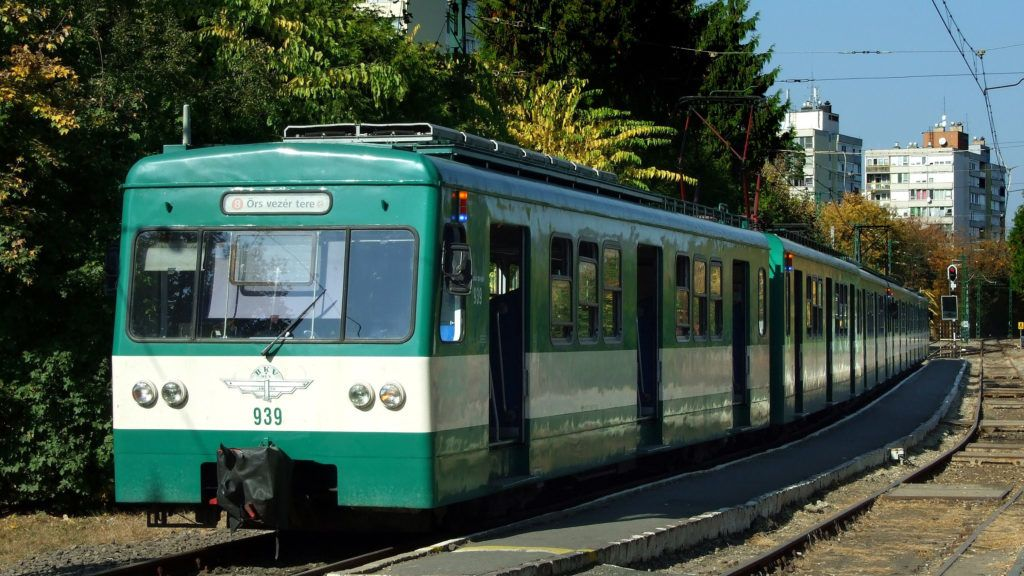 Gödöllõ, 2018. október 13. A MÁV-HÉV Helyiérdekû Vasút Zrt. H8-as (másként a 253-as vasútvonal; 2011-ig gödöllõi HÉV) vonalán közlekedõ egyik szerelvény hamarosan indul Budapest Örs vezér terére a gödöllõi végállomásáról. MTVA/Bizományosi: Jászai Csaba  *************************** Kedves Felhasználó! Ez a fotó nem a Duna Médiaszolgáltató Zrt./MTI által készített és kiadott fényképfelvétel, így harmadik személy által támasztott bárminemû – különösen szerzõi jogi, szomszédos jogi és személyiségi jogi – igényért a fotó készítõje közvetlenül maga áll helyt, az MTVA felelõssége e körben kizárt.