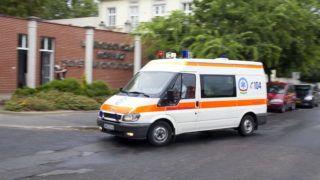 Szombathely, 2014. július 10. Mentõ érkezik a szombathelyi Markusovszky Kórházba, ahonnan elraboltak egy gyermeket 2014. július 10-én. A rendõrség kizárta az emberkereskedelem gyanúját az eltûnt újszülött ügyében. Bebizonyosodott, a gyermeket azzal a szándékkal vitték el a kórházból, hogy megtartsák. MTI Fotó: Varga György
