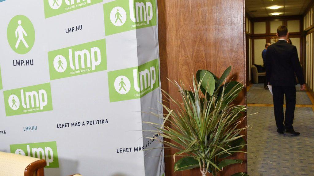 Budapest, 2017. december 14.Gémesi György, az Új Kezdet elnöke érkezik az LMP és az Új Kezdet közös programbemutató sajtótájékoztatójára a Képviselői Irodaházban 2017. december 14-én.MTI Fotó: Illyés Tibor