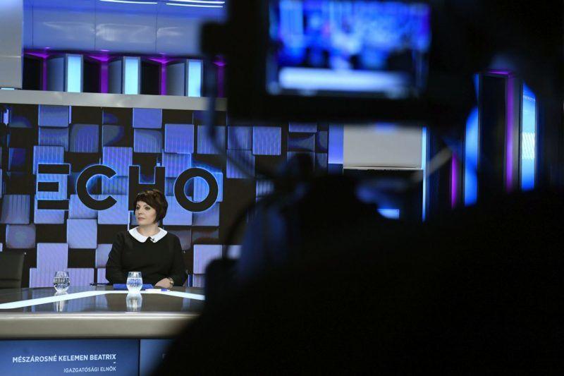Budapest, 2017. december 4. Mészárosné Kelemen Beatrix igazgatósági elnök az Echo TV fejlesztéseinek hátterérõl és a televízió stratégiai céljainak ismertetésérõl szóló sajtótájékoztatón a XIV. kerületi Angol utcában, az Echo TV I. emeleti stúdiójában 2017. december 4-én. MTI Fotó: Koszticsák Szilárd