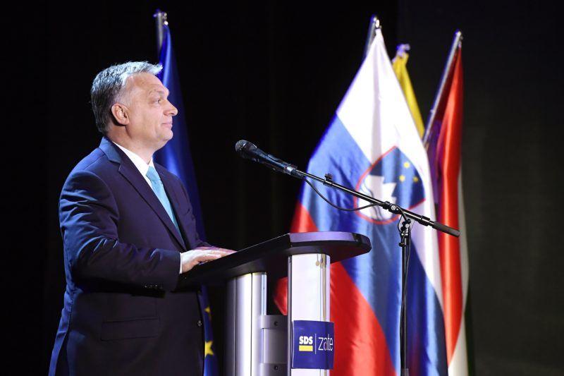 Lendva, 2018. május 11. Orbán Viktor miniszterelnök a Szlovén Demokrata Párt (SDS) kampányrendezvényén Lendván, a kulturális központban 2018. május 11-én. Szlovéniában június 3-án elõrehozott parlamenti választásokat tartanak. MTI Fotó: Koszticsák Szilárd