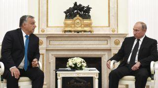 Moszkva, 2018. szeptember 18. Vlagyimir Putyin orosz elnök fogadja Orbán Viktor miniszterelnököt (b) a moszkvai Kremlben 2018. szeptember 18-án. MTI Fotó: Koszticsák Szilárd