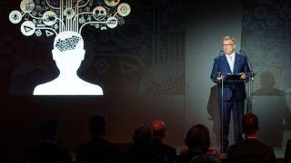 Budapest, 2018. október 12.Matolcsy György, a Magyar Nemzeti Bank (MNB) elnöke beszédet mond az Iránytű a négy százalékhoz címmel megrendezett Figyelő Top200 konferencián a Várkert Bazárban 2018. október 12-én.MTI Fotó: Koszticsák Szilárd