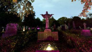 Budapest, 2018. november 1.Síremlékek a Fiumei úti sírkertben mindenszentek napján, 2018. november 1-jén.MTI/Mohai Balázs