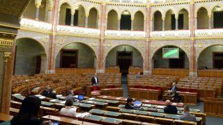 Budapest, 2018. november 15. Kósa Lajos, a Fidesz vezérszónoka felszólal az egyes migrációs tárgyú és kapcsolódó törvények módosításáról szóló törvényjavaslat általános vitájában az Országgyûlés plenáris ülésén 2018. november 15-én. MTI/Soós Lajos